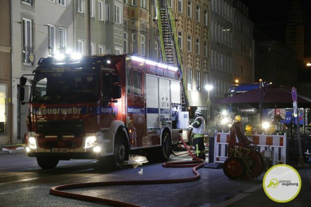 Dachstuhlbrand Karolinenstr 53.Jpg