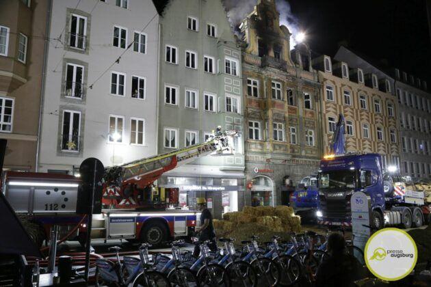 Dachstuhlbrand Karolinenstr 69.Jpg