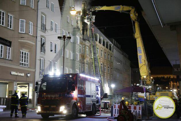 Dachstuhlbrand Karolinenstr 75.Jpg