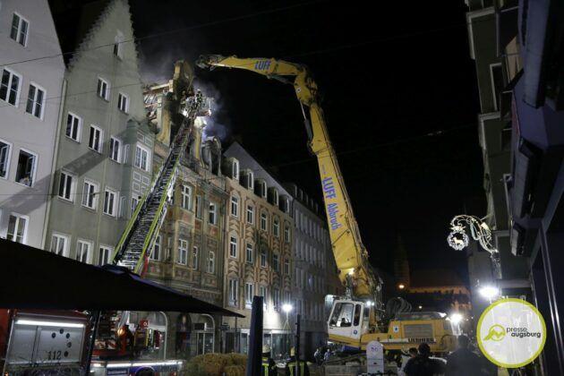 Dachstuhlbrand Karolinenstr 77.Jpg