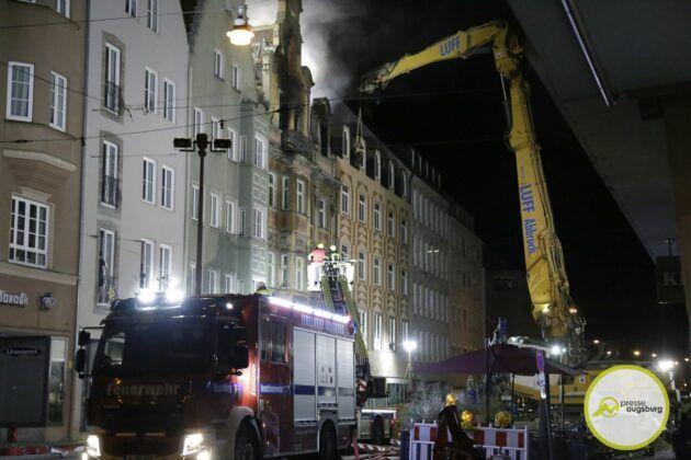 Dachstuhlbrand Karolinenstr 82.Jpg