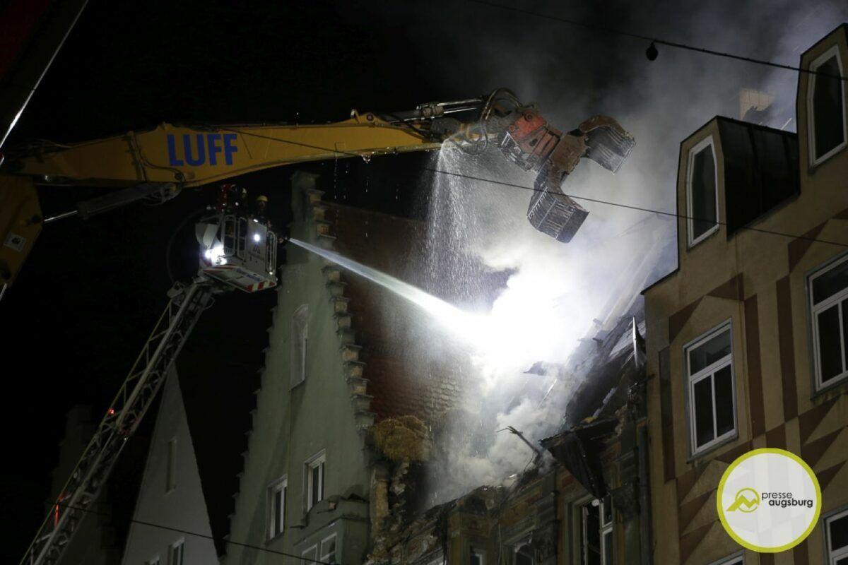 Dachstuhlbrand Karolinenstr 94.Jpg