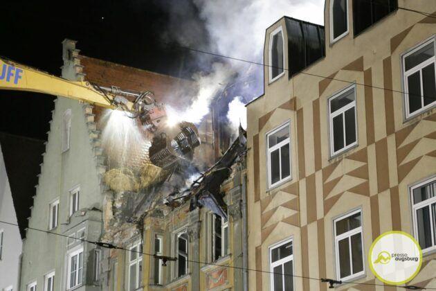 Dachstuhlbrand Karolinenstr 96.Jpg