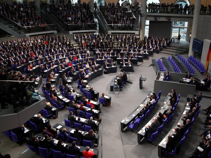 Abgeordnete Sorgen Sich Um Arbeitsfaehigkeit Des Bundestags