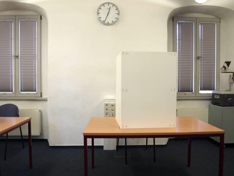 Etwa 650 000 Wahlhelfer Bei Bundestagswahl Im Einsatz
