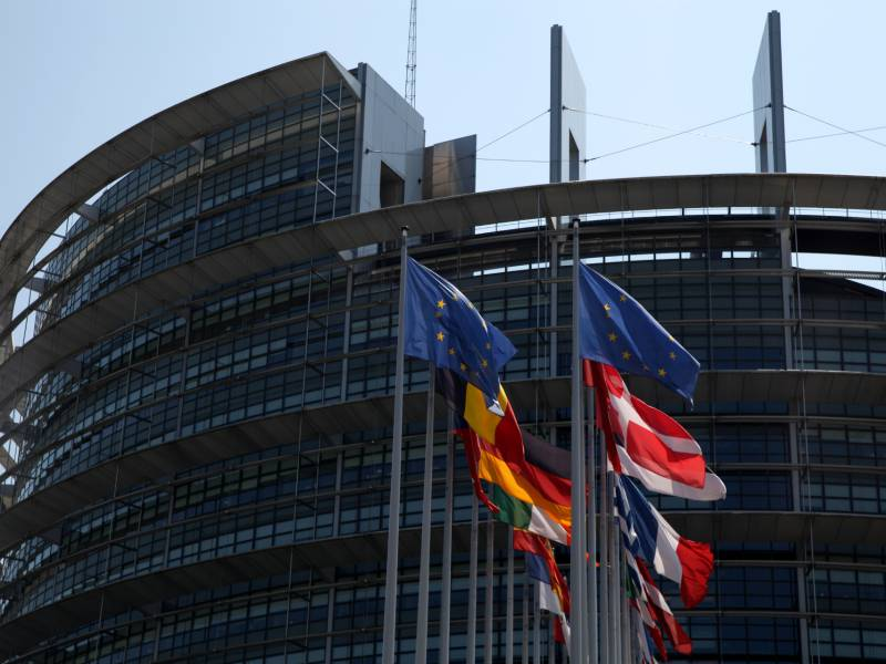 Eu Parlament Alarmiert Ueber Spannungen Zwischen Serbien Und Kosovo