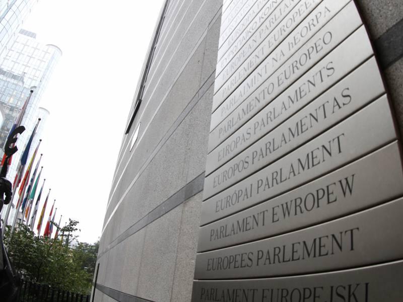 Juristen Sehen Klage Des Eu Parlaments Gegen Eu Kommission Kritisch