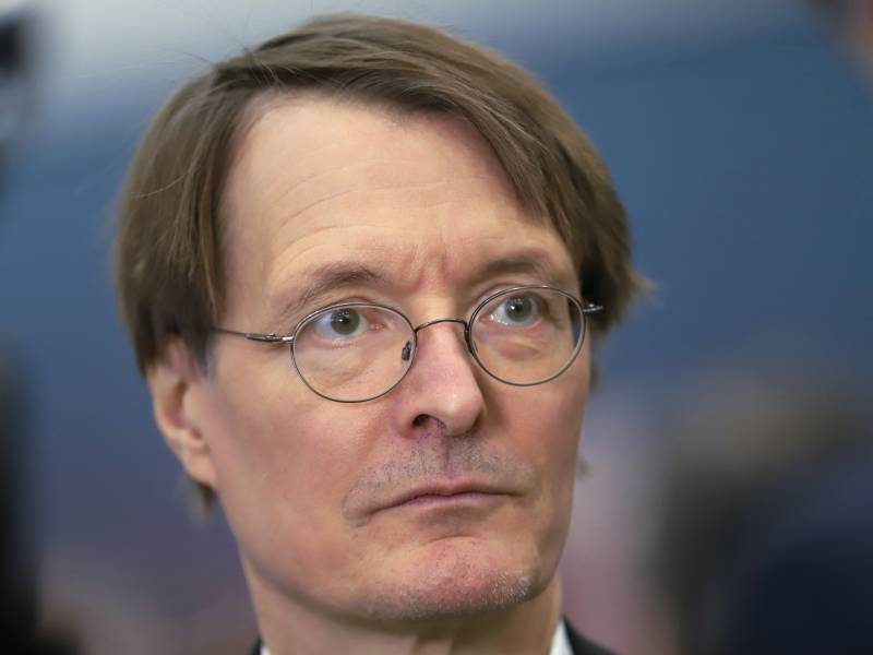 Lauterbach Fordert Ende Der Quarantaene Regeln Fuer Schulen