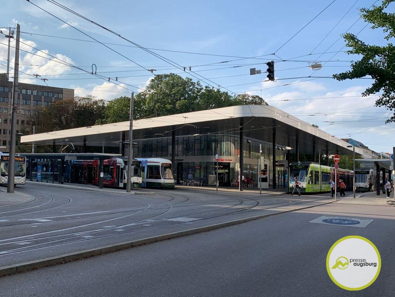 Strassenbahn Bus Koenigsplatz
