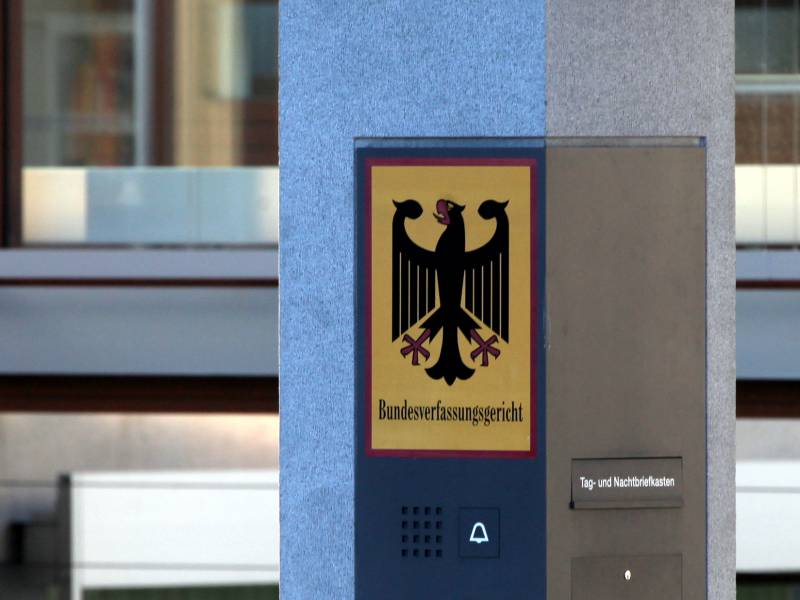 Verfassungsexperte Kritisiert Karlsruher Richter