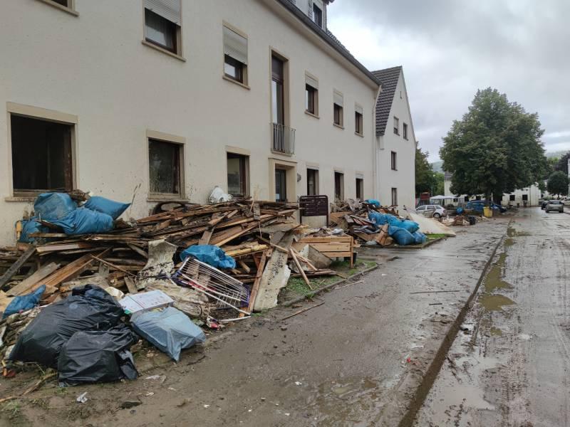 Versicherer Haben 15 Milliarden Euro An Flutgeschaedigte Ausgezahlt